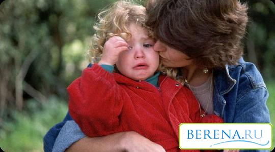 Очень часто в 2-3 года родители сталкиваются с резкими приступами истерик и непослушания у своих малышей