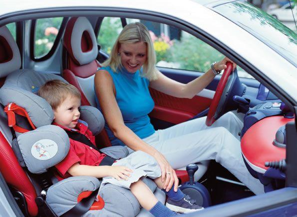 Можно ли ребенка сажать на переднее сидение в кресло 939