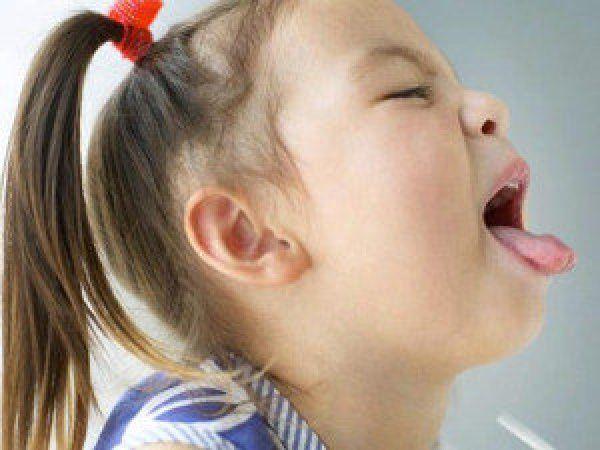 Рвота и горло болит у ребенка
